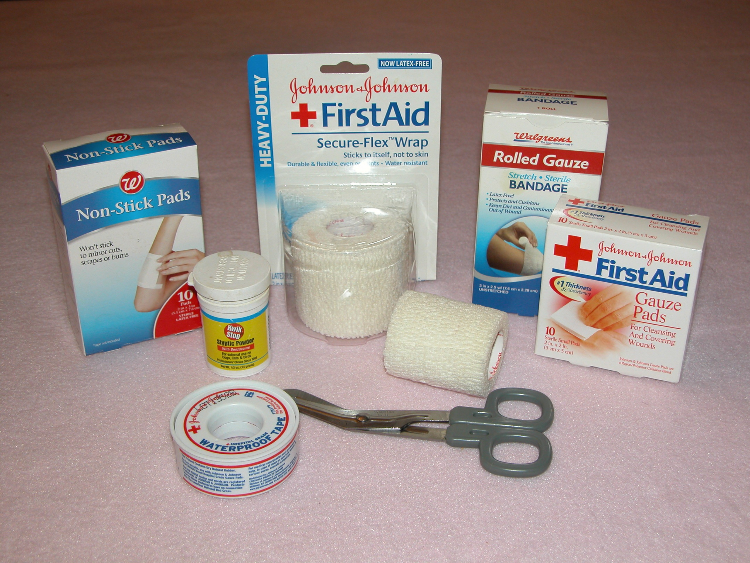 How to make a First Aid Kit at home